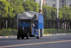 雷!拖拉机改装成带空调房车!