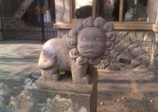超萌的石狮子,难道是幼儿园门口的