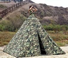 要不要到帐篷里坐坐啊