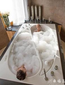 鸳鸯浴缸,想怎么洗就怎么洗