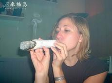 你們那些抽香煙的都弱爆了