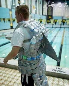 很强大的泳衣