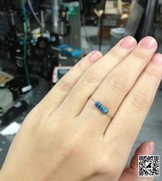 炫个富,这可是两万欧的戒指啊!