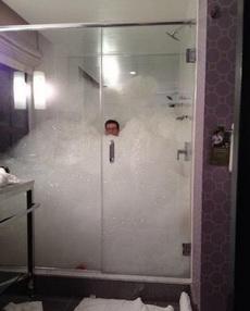 艾玛,沐浴露用得好像有点多