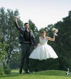婚礼一定要请个靠谱的摄影师,否则你一定会想抽他