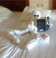 离开酒店的时候给清洁工阿姨留下了这个