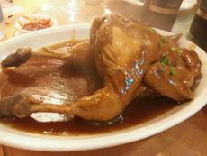 桌上看到这只动作优雅鸡,销魂的样子