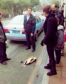 出租车撞兰博基尼