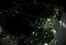 卫星拍摄的最新中国夜景图,河北山东江苏亮瞎了。官方解释:那里的学生还没有下晚自习。