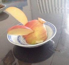 让我妈给我削个苹果兔