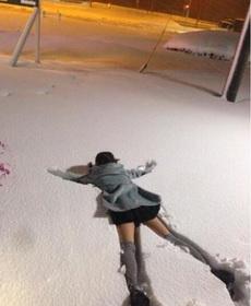 雪天版扶不扶