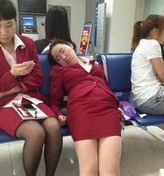 """妹子,累了,就找个""""合适""""的地方休息一下嘛"""