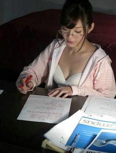 老师晚上还要批作业,辛苦了