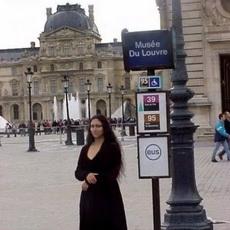 哈哈哈!终于从卢浮宫逃出来了!