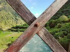 这个栅栏完美的将景色一分为四,强迫症表示太舒服了