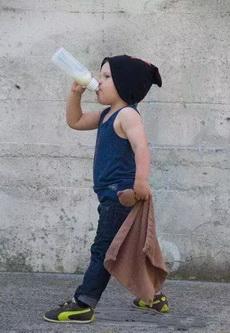 喝最烈的奶,潇洒走一回