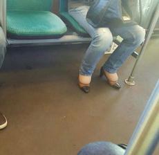 好心疼这鞋子