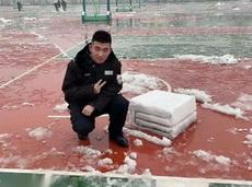 哥们你堆的雪太硬核了