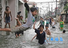 终于可以在街道上玩跳水了