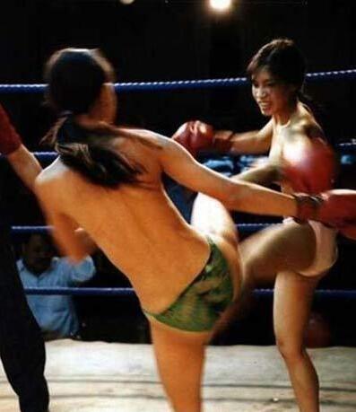 裸拳才是最好看的