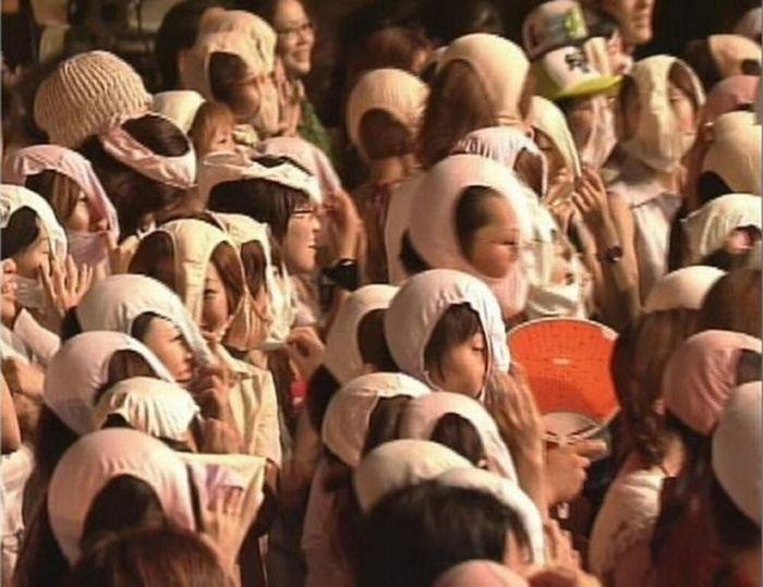 """陕西开行首趟""""白衣天使""""高铁专列 护送134名医疗人员赴湖北"""