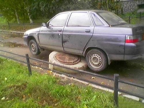 新手司機,以為自己是越野車呢
